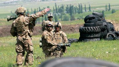 НАТО принимает в свои ряды Черногорию и обсуждает отношения с Россией