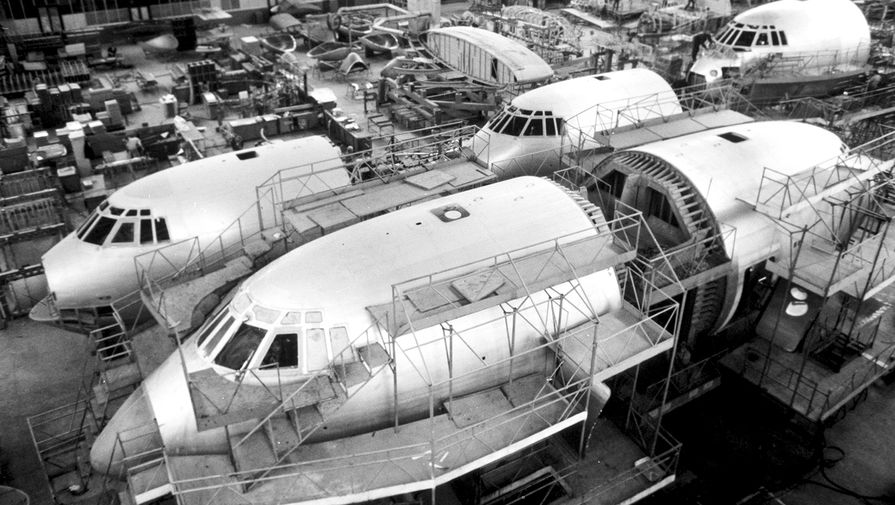Сборка большегрузных самолетов «Ил-76» на ташкентском авиационном производственном объединении имени В.П.Чкалова, 1987 год