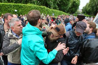 Столкновения с радикалами на акции «Никто не забыт, ничто не забыто» в Киеве, 9 мая 2017 года