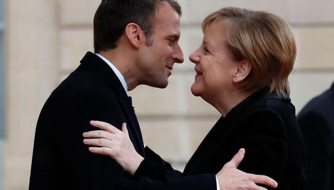 Меркель и Макрон (коллаж)