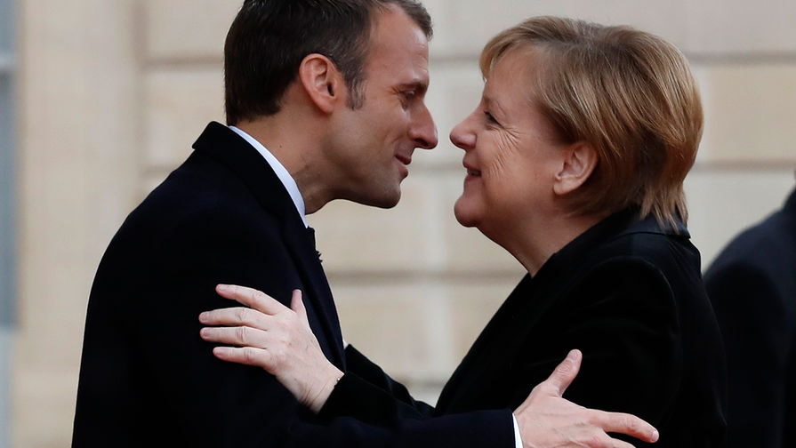 Макрон отказался от выступления с Меркель