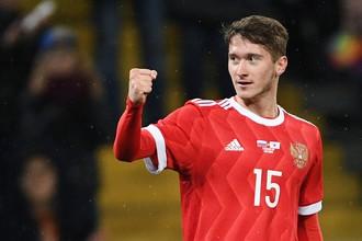 Алексей Миранчук уже прижился в сборной России