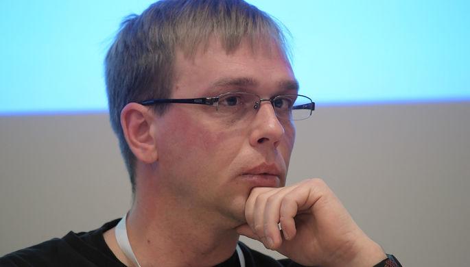 Бывший полицейский Денис Коновалов, обвиняемый по делу о фальсификации доказательств против журналиста Ивана Голунова, в Басманном суде Москвы после рассмотрения ходатайства следствия о переводе из СИЗО под домашний арест, 26 февраля 2020 года