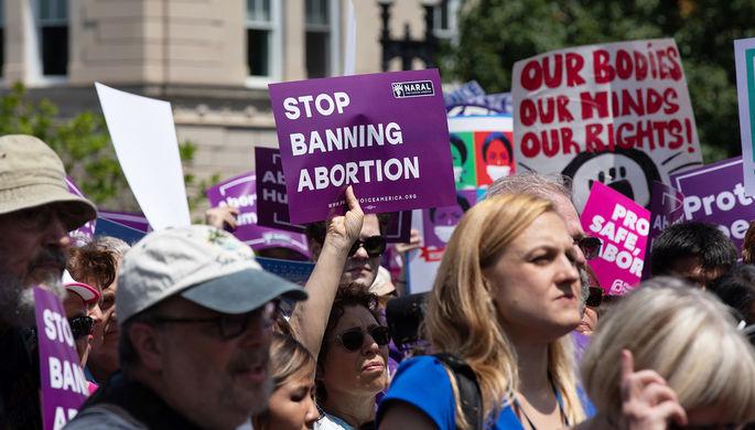Откололся десятый штат: как Байден будет бороться с запретом на аборты