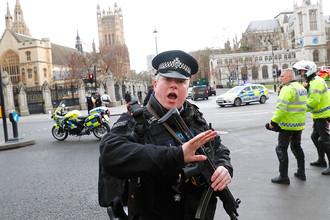 Полиция на месте теракта в центре Лондона