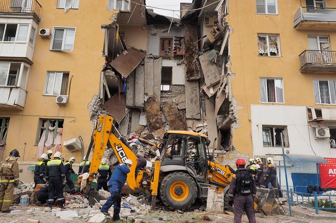 Последствия взрыва газа в жилом доме в Волгограде, 16 мая 2017 года