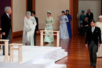Император Японии Акихито (слева) во время церемонии отречения от престола, 30 апреля 2019 года