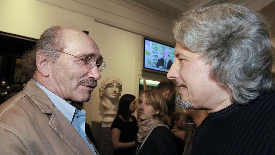 Писатели Александр Кабаков и Владимир Сорокин на праздновании дня рождения радиостанции «Эхо Москвы», 2010 год