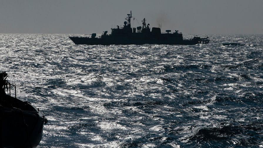 Сопроводил группу: российский флот встретил корабли НАТО