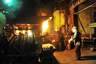 В производственном цеху ГМК «Норильский никель»