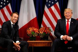 Президент Франции Эммануэль Макрон и президент США Дональд Трамп во время встречи в Нью-Йорке, сентябрь 2017 года