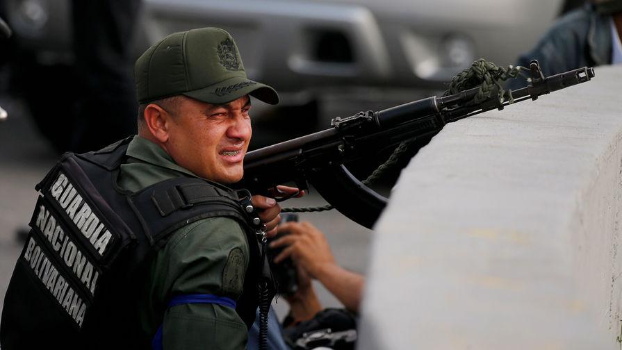 Военные Венесуэлы показали, кому они верны
