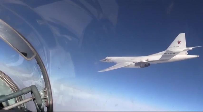 Целая пятерка: латыши обнаружили российские самолеты у границы