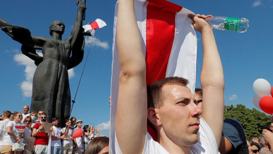 Во время митинга оппозиции в Минске, 16 августа 2020 года