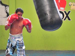 Рафаэль Маркес готовится к бою