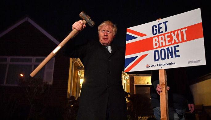 Депутаты Палаты общин Великобритании после голосования по законопроекту Бориса Джонсона о выходе страны из Евросоюза, 20 декабря 2019 года