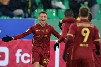 В первом официальном матче сезона казанский «Рубин» переиграл в четвертьфинале Кубка России новосибирскую «Сибирь»
