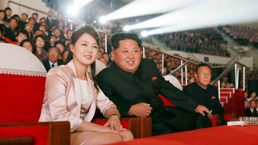 СМИ показали непристойное фото жены Ким Чен Ына