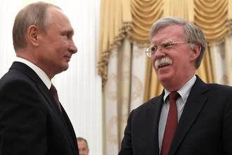 27 июня 2018 года. Президент России Владимир Путин и советник президента США по вопросам национальной безопасности Джон Болтон во время встречи в Кремле