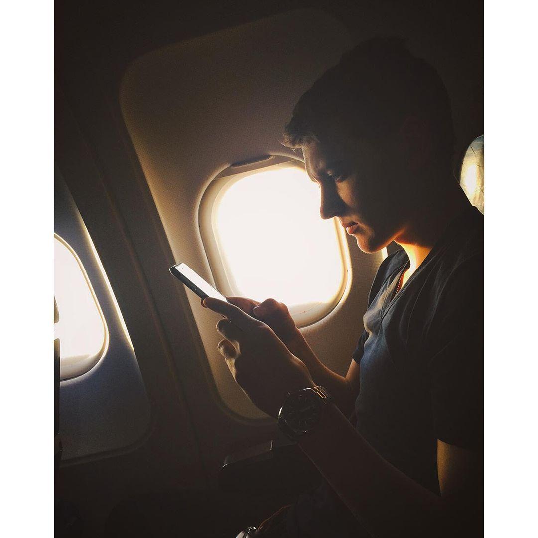 Максим Ковтун на борту самолета по пути в Бордо