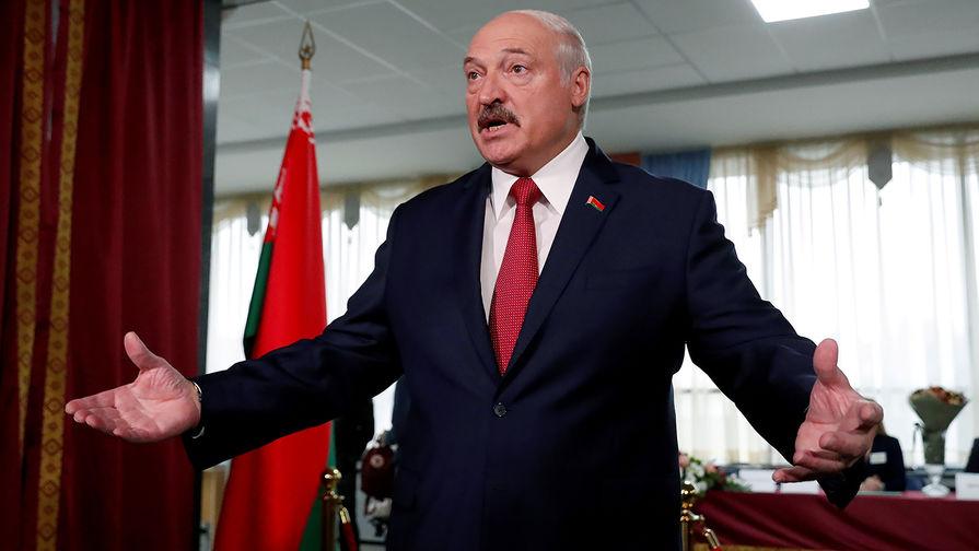 """Лукашенко уличил жулье в """"жировании"""" в банках"""