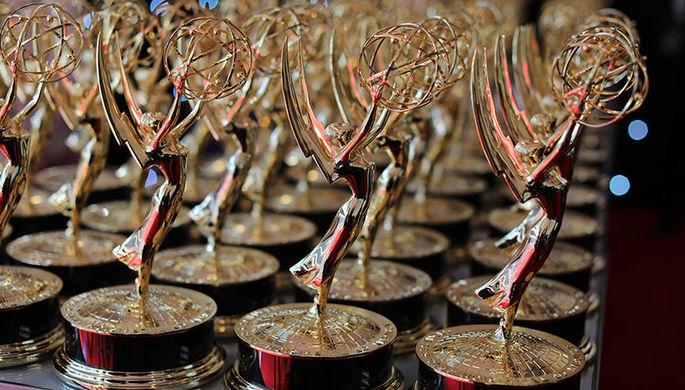 Награждение создателя Saturday Night Live Лорн Майклз во время церемонии вручения «Эмми», 18 сентября 2018 года