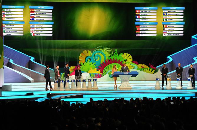 В Бразилии прошла жеребьевка финальной части группового этапа чемпионата мира по футболу 2014 года.
