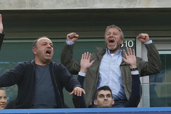 Роман Абрамович празднует 15-й успех «Челси» под его руководством