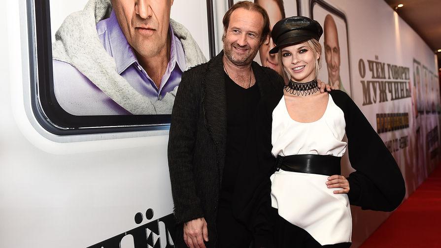 Режиссёр Марюс Вайсберг и актриса Наталья Бардо на премьере фильма «О чем говорят мужчины. Продолжение»