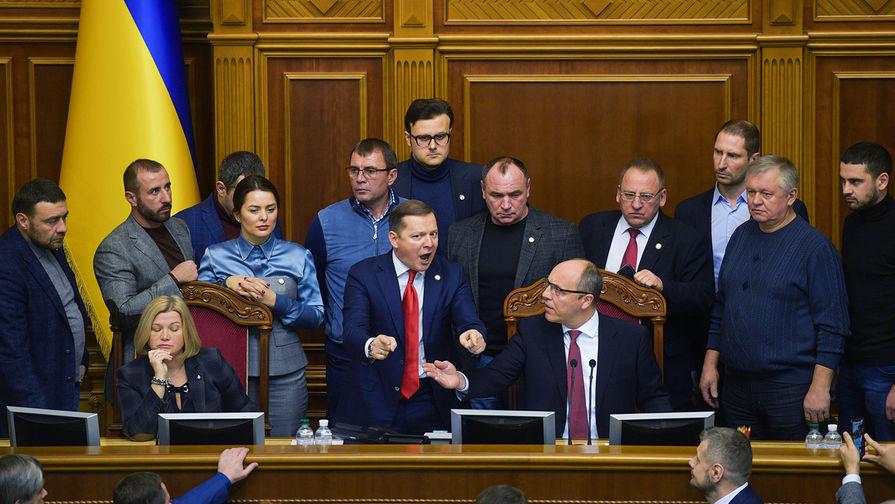 Рада запретила россиянам быть наблюдателями на выборах президента Украины