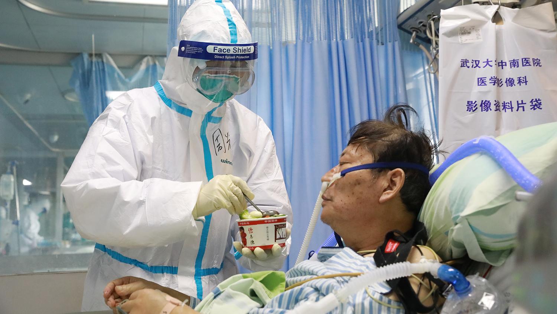 Ученые выяснили, кто умирает от коронавируса - Газета.Ru