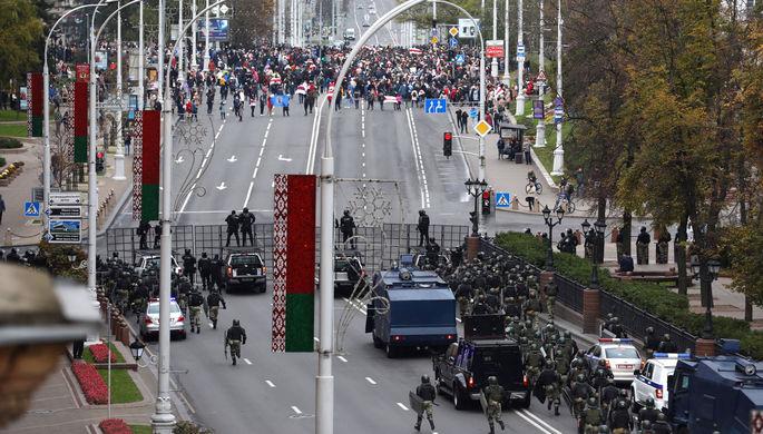 Во время марша оппозиции в Минске, 25 октября 2020 года