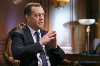 Игра на выбывание: Медведев представит новый кабинет