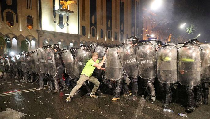 «Это российское правительство»: что происходит в Тбилиси