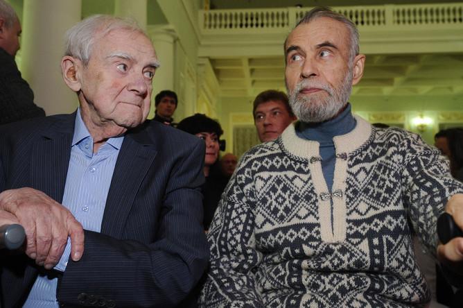 Писатели Даниил Гранин и Владимир Маканин на церемонии вручения премии «Большая книга» в Москве, 2012 год
