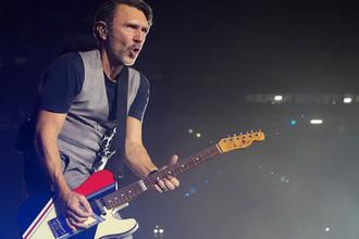Сергей Шнуров во время финального концерта стадионного тура группы «Ленинград» на стадионе «Газпром-Арена»
