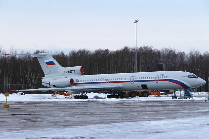 Самолет ТУ-154, принадлежащий министерству обороны РФ, на аэродроме Чкаловский. (снимок из архива 15.01.2015)