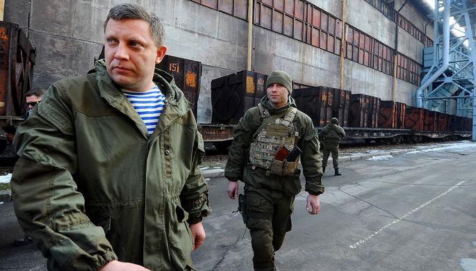 Глава самопровозглашенной ДНР Александр Захарченко во время посещения Донецкого металлургического завода, 1 марта 2017 года