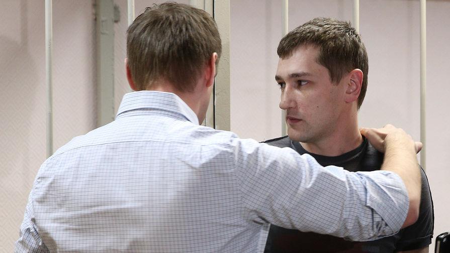 На фото: Алексей и Олег Навальные