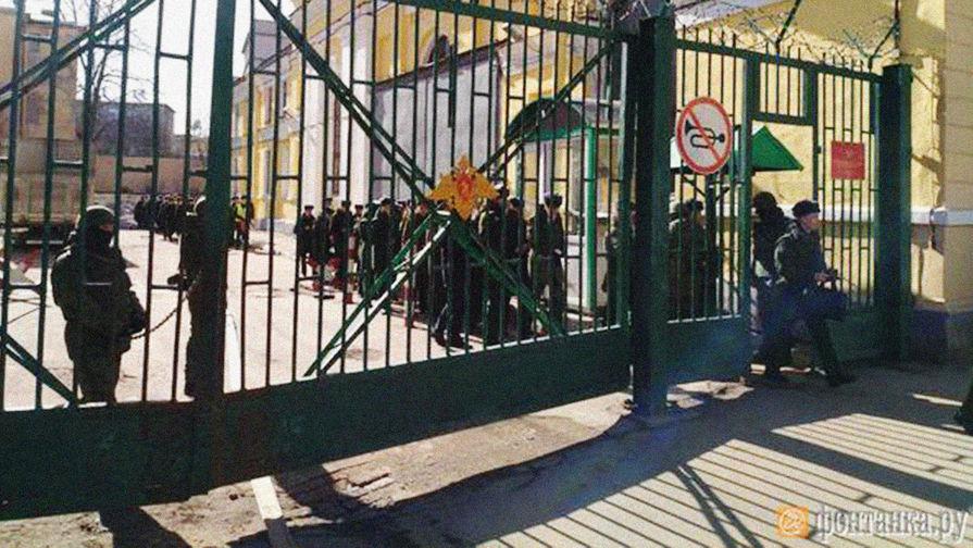 Военную академию в Петербурге взорвал преподаватель, считает обвинение