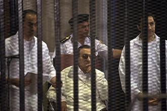 Египетский суд освободил Хосни Мубарака из тюрьмы