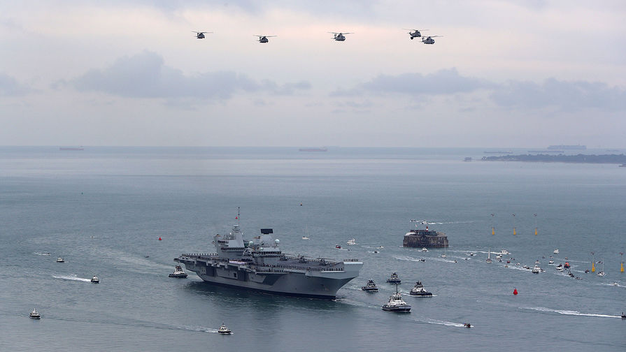 На флагмане британского флота произошла вспышка COVID-19 во время похода
