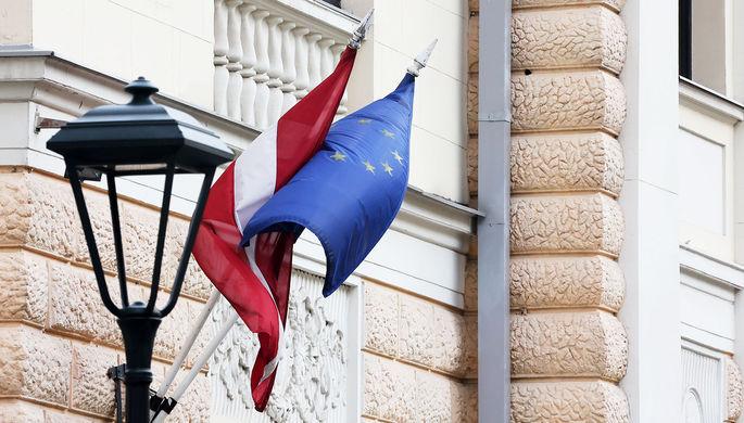 «В знак солидарности с союзником»: страны Балтии выслали дипломатов России