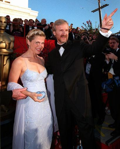 Линда Хэмилтон и режиссер Джеймс Кэмерон, 1998 год. Пара была вместе с 1991 года. 15 февраля 1993...