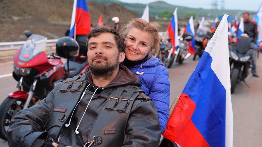 Десятки байкеров стали первыми нарушителями ПДД на Крымском мосту