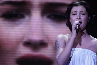 Анастасия Приходько во время выступления в финале конкурса «Евровидение-2009» в СК «Олимпийский»