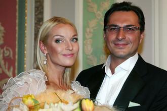 Балерина Анастасия Волочкова с супругом Игорем Вдовиным в отеле «Савой» в Москве, 2008 год