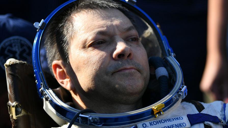 Космонавт «Роскосмоса» Олег Кононенко Давид Сен-Жак после посадки спускаемого аппарата пилотируемого корабля «Союз МС-11» в Казахстане, 25 июня 2019 года