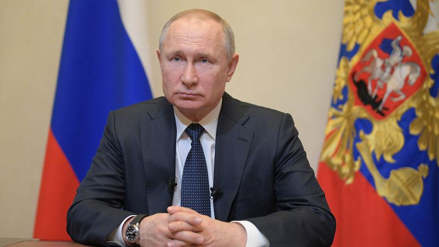 Путин поблагодарил медиков за борьбу с коронавирусом