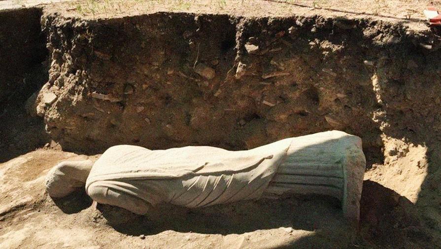 Женщина без головы: что откопали в руинах в Анталье